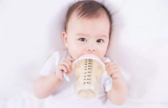 DHA牛奶和DHA奶粉让孩子健康成长